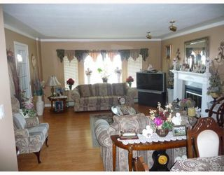 Photo 2: 1756 E 33RD Avenue in Vancouver: Victoria VE House for sale (Vancouver East)  : MLS®# V774937