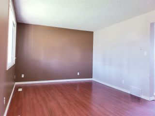Photo 3: 300 HERMITAGE Road in Edmonton: Zone 35 Townhouse for sale : MLS®# E4167382