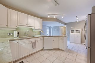 Photo 9: 9732 91 Street in Edmonton: Zone 18 Townhouse for sale : MLS®# E4172110