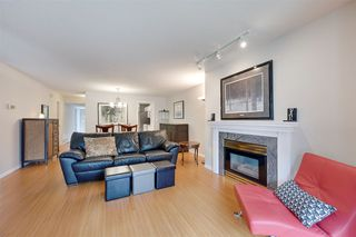 Photo 3: 9732 91 Street in Edmonton: Zone 18 Townhouse for sale : MLS®# E4172110