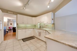 Photo 8: 9732 91 Street in Edmonton: Zone 18 Townhouse for sale : MLS®# E4172110