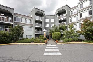 "Photo 2: 4 5700 200 Street in Langley: Langley City Condo for sale in ""LANGLEY VILLAGE"" : MLS®# R2416368"