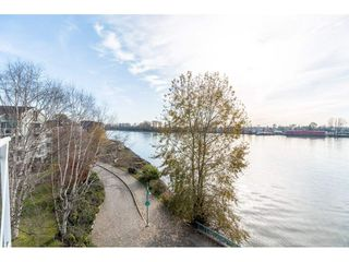 "Photo 18: 411 2020 SE KENT Avenue in Vancouver: South Marine Condo for sale in ""Tugboat Landing"" (Vancouver East)  : MLS®# R2418347"