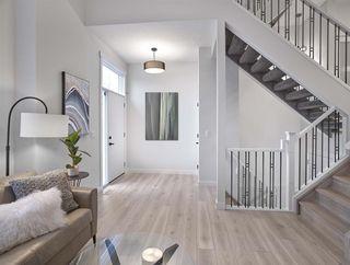 Photo 3: 1 9745 92 Street in Edmonton: Zone 18 Townhouse for sale : MLS®# E4181016