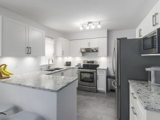 """Photo 5: 108 1200 EASTWOOD Street in Coquitlam: North Coquitlam Condo for sale in """"LAKESIDE TERRACE"""" : MLS®# R2466564"""
