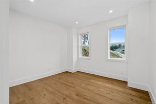 Photo 12: 111 539 Delora Dr in : Co Royal Bay Row/Townhouse for sale (Colwood)  : MLS®# 852470