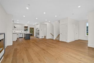Photo 7: 111 539 Delora Dr in : Co Royal Bay Row/Townhouse for sale (Colwood)  : MLS®# 852470