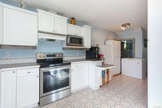 Photo 12: 1 1809 McKenzie Ave in : SE Mt Tolmie Row/Townhouse for sale (Saanich East)  : MLS®# 854207