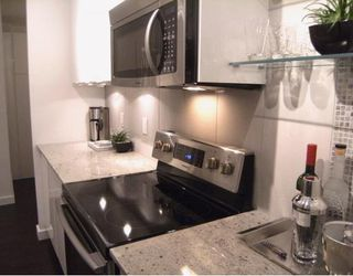 """Photo 5: #105 1867 W 3RD Avenue in Vancouver: Kitsilano Condo for sale in """"ST CLAIRE COURT"""" (Vancouver West)  : MLS®# V806057"""