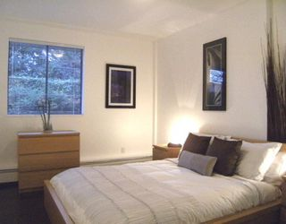 """Photo 6: #105 1867 W 3RD Avenue in Vancouver: Kitsilano Condo for sale in """"ST CLAIRE COURT"""" (Vancouver West)  : MLS®# V806057"""