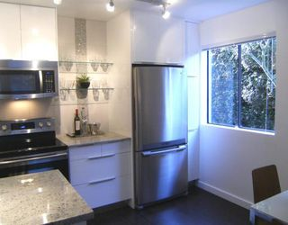 """Photo 19: #105 1867 W 3RD Avenue in Vancouver: Kitsilano Condo for sale in """"ST CLAIRE COURT"""" (Vancouver West)  : MLS®# V806057"""
