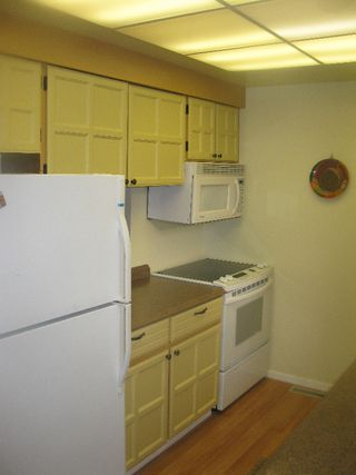 """Photo 3: 1101 LILLOOET Road in North Vancouver: Lynnmour Townhouse for sale in """"LYNNMOUR VILLAGE"""" : MLS®# V807716"""