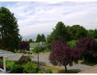 Photo 10: 2616 TRINITY Street in Vancouver: Hastings East House for sale (Vancouver East)  : MLS®# V723112