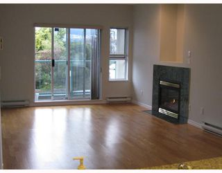 "Photo 2: 201 177 W 5TH Street in North_Vancouver: Lower Lonsdale Condo for sale in ""JADE"" (North Vancouver)  : MLS®# V750743"