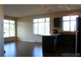 Photo 3: 302 2220 Sooke Road in VICTORIA: Co Hatley Park Condo Apartment for sale (Colwood)  : MLS®# 252578