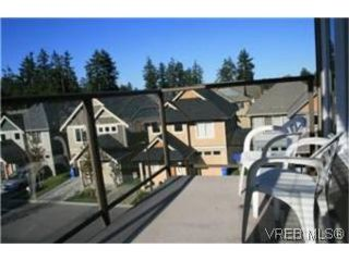 Photo 9: 302 2220 Sooke Road in VICTORIA: Co Hatley Park Condo Apartment for sale (Colwood)  : MLS®# 252578