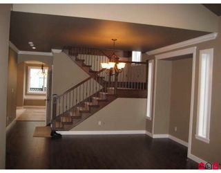 Photo 3: 7259 196A Street in Langley: Willoughby Heights House for sale : MLS®# F2904904