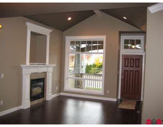 Photo 2: 7259 196A Street in Langley: Willoughby Heights House for sale : MLS®# F2904904