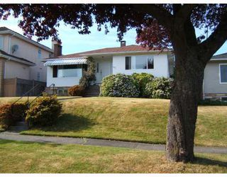 "Photo 3: 721 W 63RD Avenue in Vancouver: Marpole House for sale in ""MARPOLE"" (Vancouver West)  : MLS®# V774676"