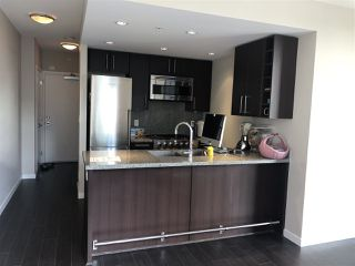 Photo 4: 1402 1708 COLUMBIA Street in Vancouver: False Creek Condo for sale (Vancouver West)  : MLS®# R2403247