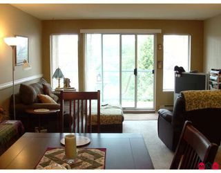 """Photo 5: 204 33090 GEORGE FERGUSON WA Way in Abbotsford: Central Abbotsford Condo for sale in """"Tiffany Place"""" : MLS®# F2918228"""