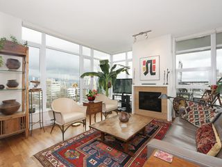 "Photo 2: 1105 1333 W 11TH Avenue in Vancouver: Fairview VW Condo for sale in ""SAKURA"" (Vancouver West)  : MLS®# R2432265"