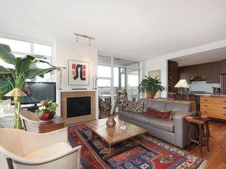 "Photo 3: 1105 1333 W 11TH Avenue in Vancouver: Fairview VW Condo for sale in ""SAKURA"" (Vancouver West)  : MLS®# R2432265"