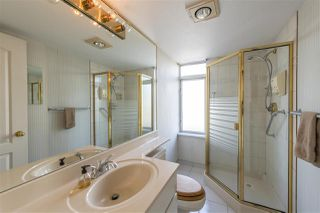 """Photo 13: 1802 71 JAMIESON Court in New Westminster: Fraserview NW Condo for sale in """"Palace Quay"""" : MLS®# R2444995"""