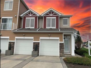 Photo 1: 8 CHAPARRAL RIDGE Park SE in Calgary: Chaparral Row/Townhouse for sale : MLS®# C4301030