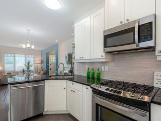 Photo 9: 227 14 Avenue NE in Calgary: Crescent Heights Detached for sale : MLS®# A1019508