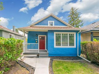Photo 1: 227 14 Avenue NE in Calgary: Crescent Heights Detached for sale : MLS®# A1019508
