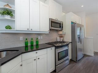 Photo 10: 227 14 Avenue NE in Calgary: Crescent Heights Detached for sale : MLS®# A1019508