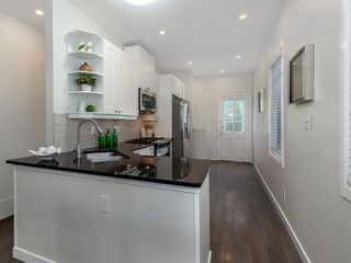 Photo 8: 227 14 Avenue NE in Calgary: Crescent Heights Detached for sale : MLS®# A1019508