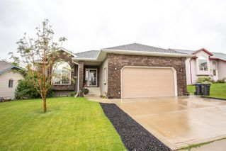 Main Photo: 17 Fox Close in Sylvan Lake: Fox Run Residential for sale : MLS®# A1023216