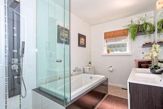 Photo 12: 21498 Berry Avenue in Maple Ridge: Home for sale : MLS®# R2109715