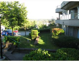 "Photo 7: 103 78 RICHMOND Street in New Westminster: Fraserview NW Condo for sale in ""GOVERNORS COURT"" : MLS®# V812374"