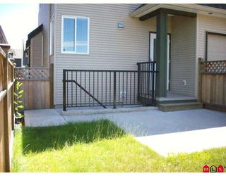 """Photo 3: 19237 69TH Avenue in Surrey: Clayton House for sale in """"CLAYTON VILLAGE"""" (Cloverdale)  : MLS®# F2821236"""