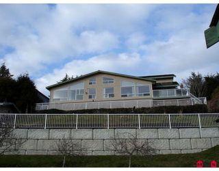Main Photo: 12752 SOUTHRIDGE Drive in Surrey: Panorama Ridge House for sale : MLS®# F2826532