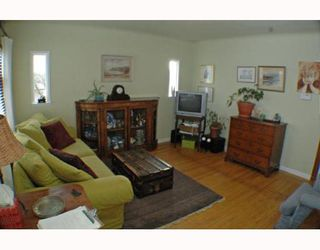 Photo 2: 795 KASLO Street in Vancouver: Renfrew VE House for sale (Vancouver East)  : MLS®# V752409