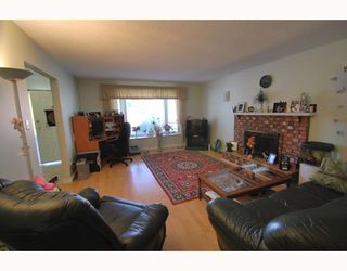 Photo 3: 6100 WILLIAMS Road in Richmond: Woodwards House for sale : MLS®# V758028
