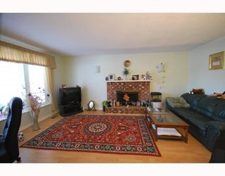 Photo 2: 6100 WILLIAMS Road in Richmond: Woodwards House for sale : MLS®# V758028