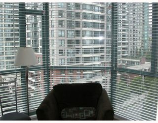 "Photo 6: 603 888 HAMILTON Street in Vancouver: Downtown VW Condo for sale in ""ROSEDALE GARDENS"" (Vancouver West)  : MLS®# V777304"