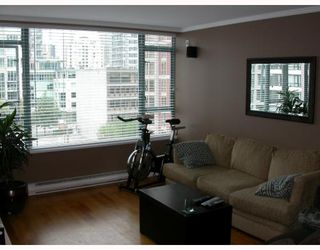 "Photo 2: 603 888 HAMILTON Street in Vancouver: Downtown VW Condo for sale in ""ROSEDALE GARDENS"" (Vancouver West)  : MLS®# V777304"