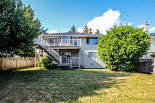 "Photo 3: 14312 69A Avenue in Surrey: East Newton House for sale in ""Connemara Estates"" : MLS®# R2402033"