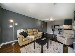 Photo 5: 214 19528 FRASER HIGHWAY in Surrey: Cloverdale BC Condo for sale (Cloverdale)  : MLS®# R2397037