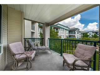 Photo 2: 214 19528 FRASER HIGHWAY in Surrey: Cloverdale BC Condo for sale (Cloverdale)  : MLS®# R2397037