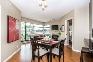 Photo 3: 504 2228 MARSTRAND AVENUE in Vancouver West: Home for sale : MLS®# R2115844