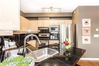 Photo 5: 504 2228 MARSTRAND AVENUE in Vancouver West: Home for sale : MLS®# R2115844