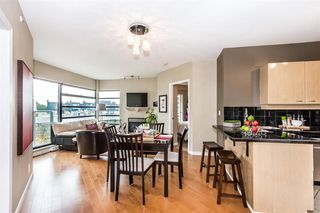 Photo 2: 504 2228 MARSTRAND AVENUE in Vancouver West: Home for sale : MLS®# R2115844