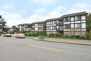 """Main Photo: 405 1437 FOSTER Street: White Rock Condo for sale in """"Wedgewood"""" (South Surrey White Rock)  : MLS®# R2437352"""